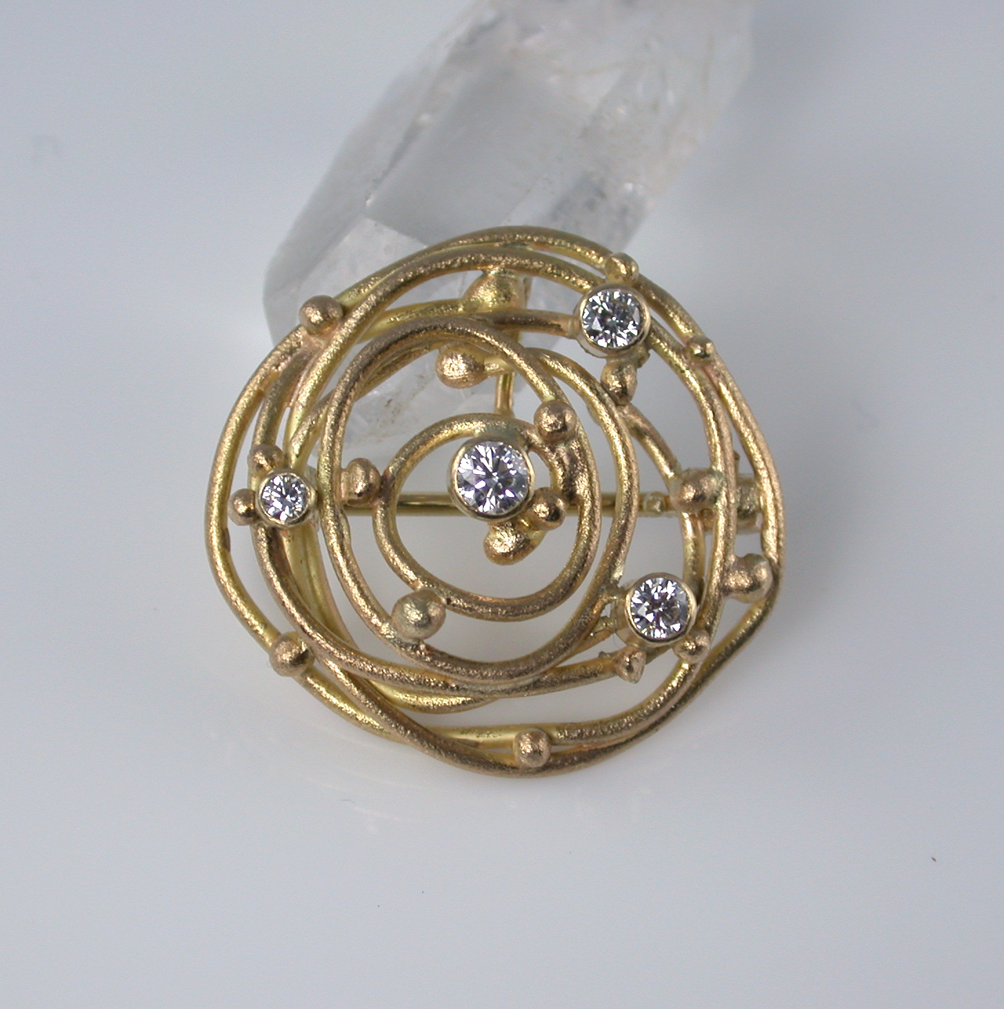 Brooch / Pendant: 18k, twvvs diamonds