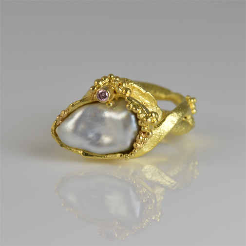 Ring: 18k, South Sea pearl, pink diamond