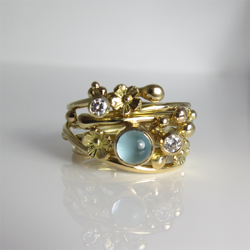 Ring: 18k, aquamarine, twvvs diamonds