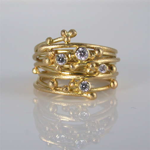 Ring: 18k gold, diamonds twvvs