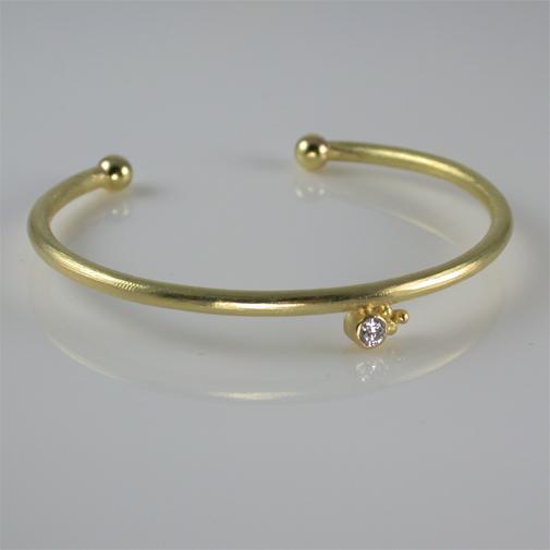 Bracelet; 18k, twvvs diamond