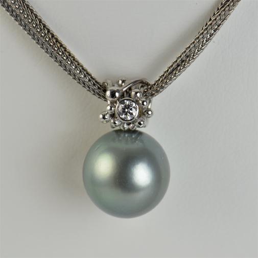 18WG, tahiti pearl, twvvs diamond