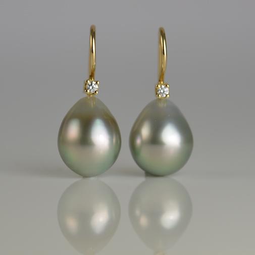 18k, twvvs diamond, fancy color tahiti pearls