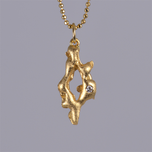 Pendant in 18k of gold with twvvs diamond by Susanne Lanng - Gl. Skagen