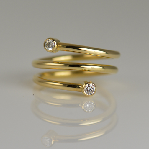 Ring: 18k gold, diamonds twvvs 0.20ct